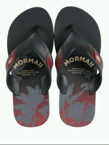 Mormaii - Chinelo Masculino Textura Preto e Vermelho