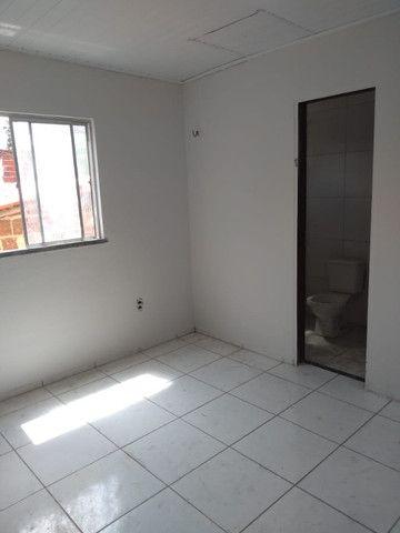 Apartamento com 1 quarto para alugar, 37 m² por R$ 320/mês - Maracanaú/CE - Foto 9
