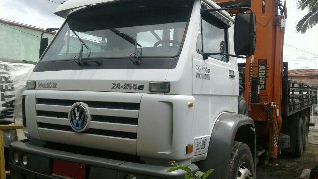 VW-24.250 6x2 Worker