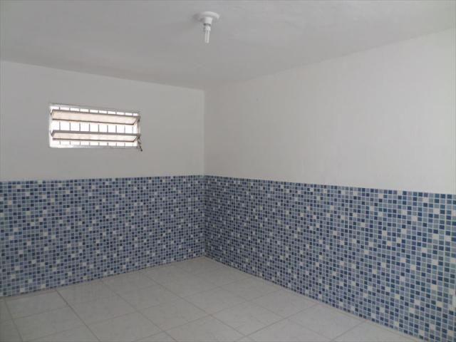 Ref.: 500 - Casa em Sao Vicente, no bairro Vila Voturua - 1 dormitórios