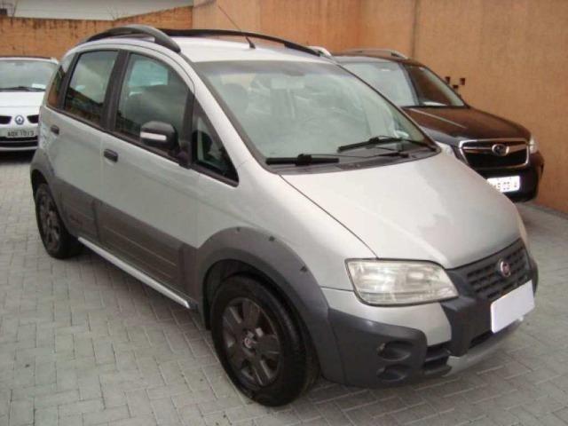 Fiat Idea 1.8 MPI Adventure Locker 4P 2010