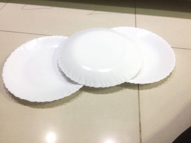 Pratos brancos - Foto 5