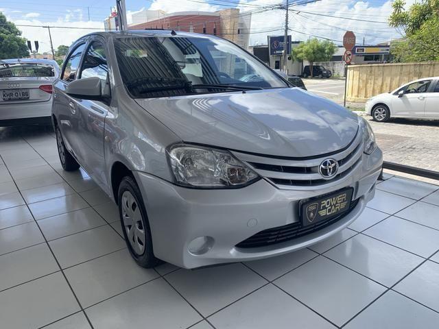 Toyota etios hatch único dono - Foto 4