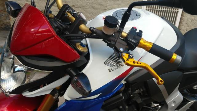 Honda CB 1000R 2013 apenas 21.712 km IPVA 2020 pago - Foto 6