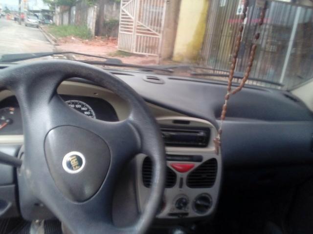 Vende-se carro palio 2005 completo celado e quitado sem multa - Foto 2