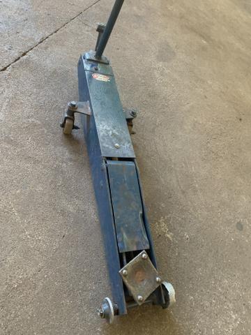 Macaco hidráulico jacaré usado 2 toneladas