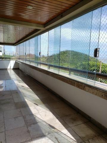 V-E-N-D-O - Bairro Calhau - 302 m2 - 4 Suites