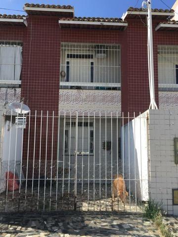 AP232 - Casa Duplex - 3/4, Prox. McDonald´s da Hermes Fontes - 79 9  *