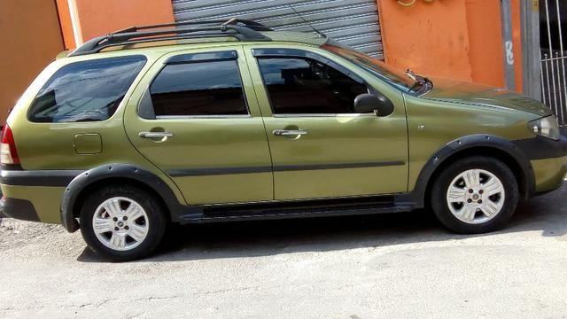 Fiat Palio Palio Weekend Adventure 1.8 2005 Completa