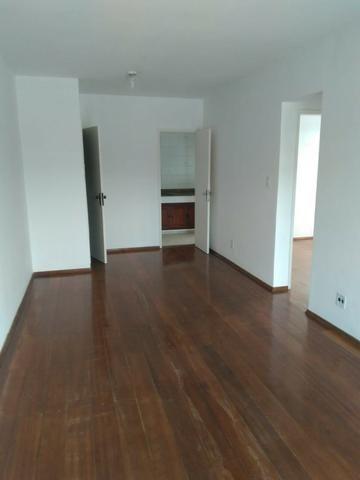 Belo apartamento ao lado da Faculdade de Medicina Suprema - Três Rios - RJ - Foto 2