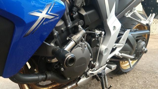 Honda CB 1000R 2013 apenas 21.712 km IPVA 2020 pago - Foto 9