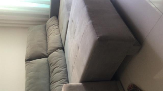 Sofá semi novo, cor cinza, luxo