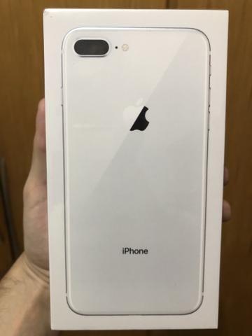 f54d2cd91 IPhone 8 Plus 64gb Prata Novo Lacrado Nota e Garantia. Aceito cartão ...