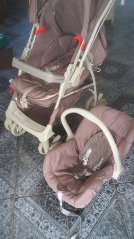 Carrinho com bebe conforto Galzerano (super conservado)