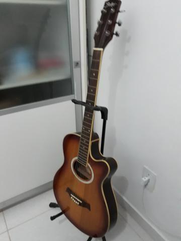 Lindo violão elétrico