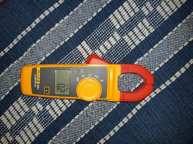 Vendo Alicate Amperimetro Fluke modelo 302 - Foto 2