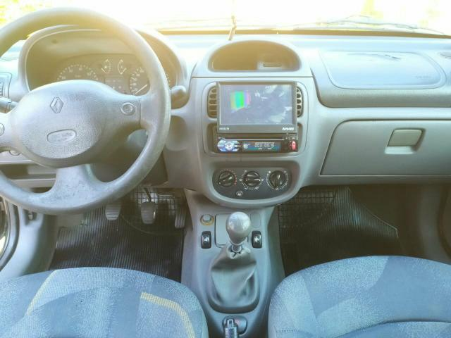 Clio 1.0 16V - Foto 4