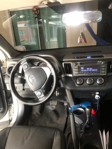 Rav 4 2013 4x2 fip 67000 carro sinistrado - Foto 6