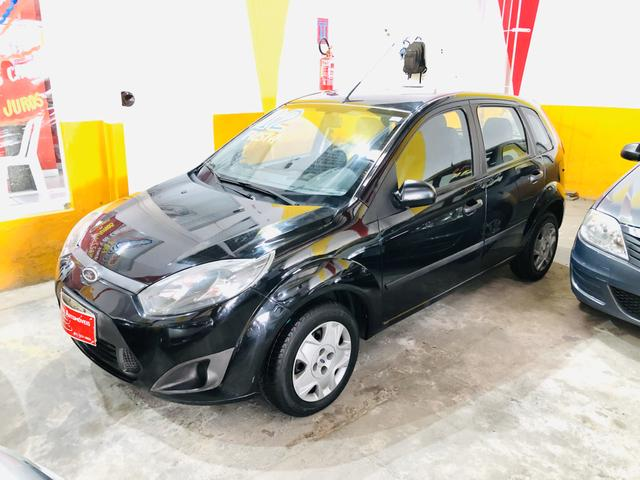 Ford Fiesta Hatch Completo Ano: 2012 R$: 19.900,00