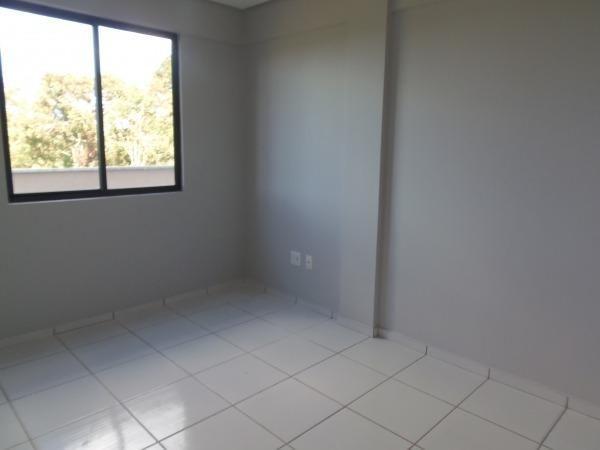 Apartamento com 3 quartos, 1 suíte, duas vagas de garagem e ótima localização - Foto 6