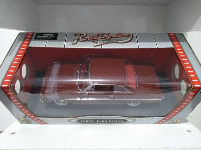 Ford Falcon 1963 escala 1/18 Roadsignature , produto novo .  Ótimo preço ! - Foto 3