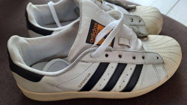 Tênis Adidas superstar usado.  - Foto 3