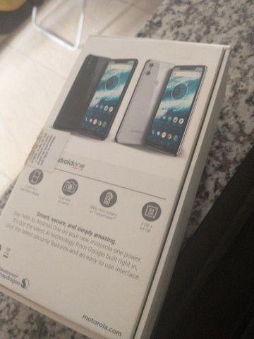 Caixa do Motorola one com todos os manuais - Foto 3