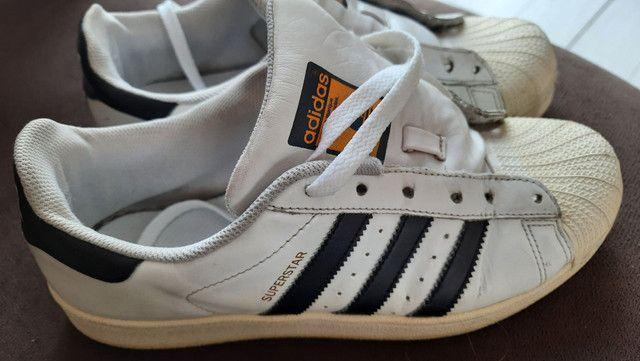 Tênis Adidas superstar usado.
