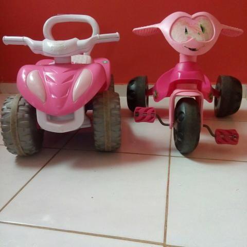 2 motocas de menina