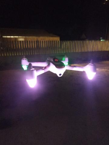 Drone Hubsan com GPS semi profissional