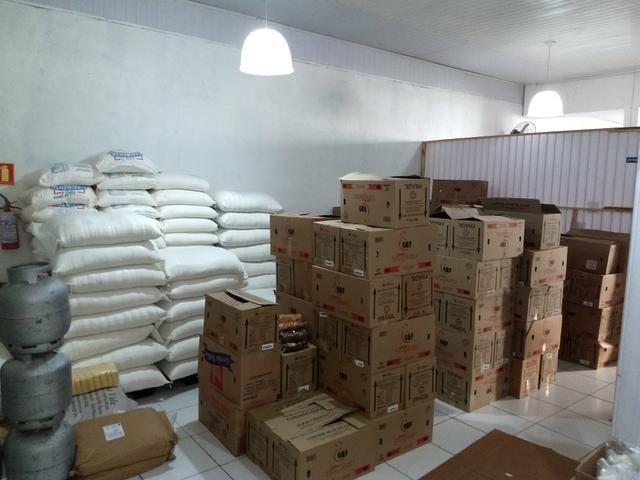 Vendo fabrica de biscoitos funcionando 180.000.00 aceito troca