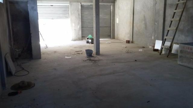 Predio comercial com galpão e dois apartamentos - Foto 4