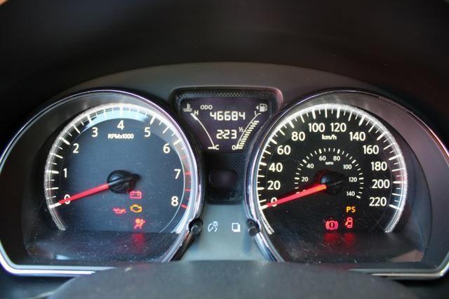 Nissan Versa 1.0 Conforto mec 17/18 ( - Foto 8