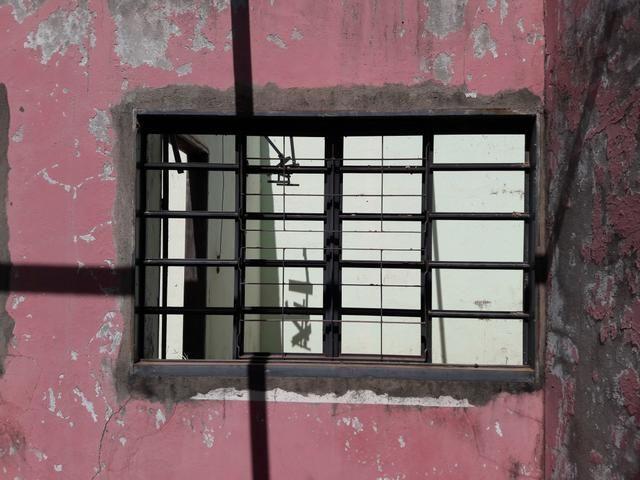 Casa barata em acabamento para venda quitada
