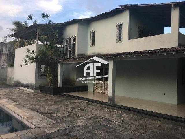 Chácara para venda tem 4200 m² com 4 quartos (2 suítes)