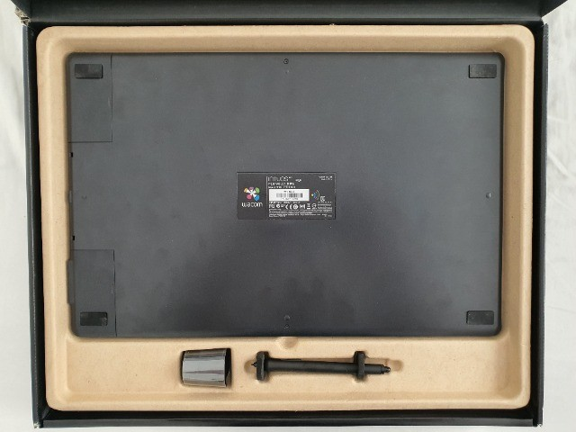 Mesa digitalizadora Wacom Intuos Pro Large PTH851 black - Foto 2