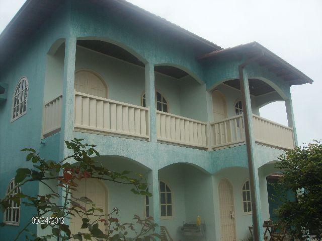 Murano Imobiliária aluga casa de 4 quartos na Praia de Itaparica, Vila Velha - ES.
