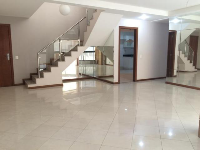 Vendo cobertura duplex de 5 quartos na Praia da Costa, Vila Velha - ES.