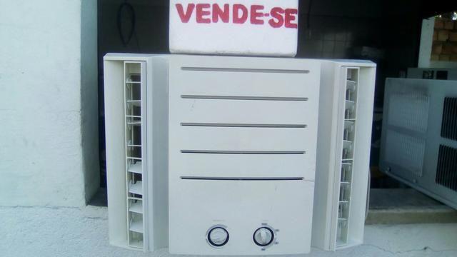 Vende - se um ar condicionado 7500 btus em perfeito estado de funcionamento