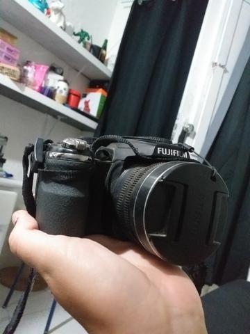 Câmera semi profissional FujiFilm