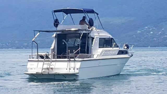 Lancha obra Capri 32 Fly - Barco de represa! Oportunidade única!! - Foto 3