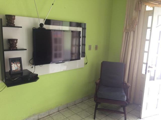 JT - Próximo da Upe, Imensa Casa em Garanhuns, 3 Quartos + Dependência