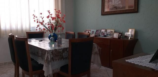 8294 | Sobrado à venda com 4 quartos em Jardim Alvorada, Maringa