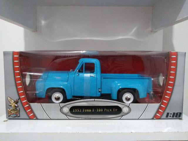 Ford F100 pik UP 1953 escala 1/18 Roadsignature.produto novo.