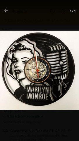 Lindos relógios de parede feito em vinil - Foto 5