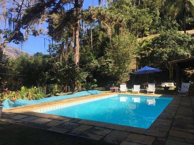 Casa para venda com terreno de 11mil m² com 3 quartos em Corrêas - Petrópolis - Rio de Jan