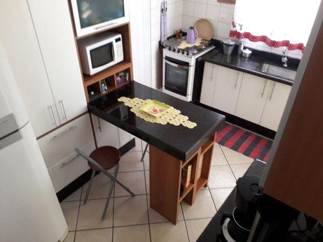 Apartamento de 80 m², 3 quartos, 1 suíte, 2 vagas.