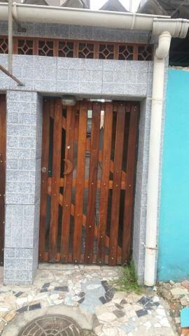 Alugo dúplex (dois andares ) perto do Guanabara, brt e trem no centro de paciência