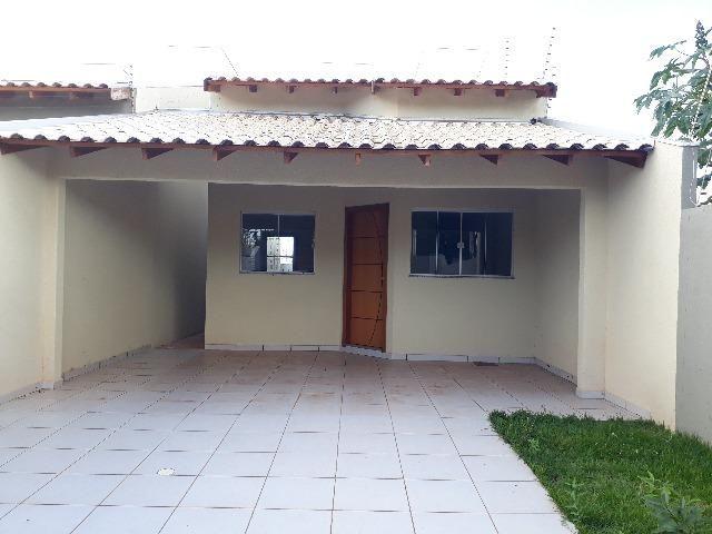Casa com 1 suíte e 2 quartos - 500 metros da UCDB
