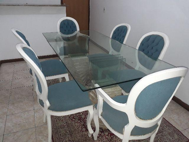 Lindo conjunto de mesa com 6 cadeiras